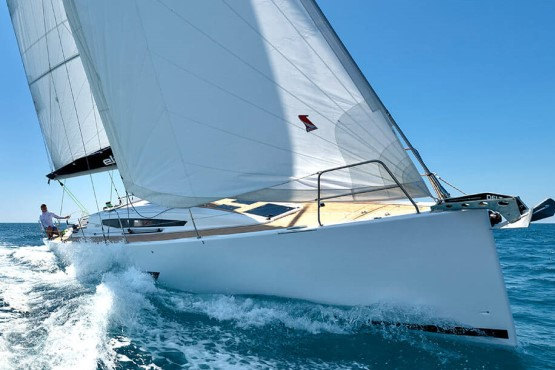 39 ft sailing yacht